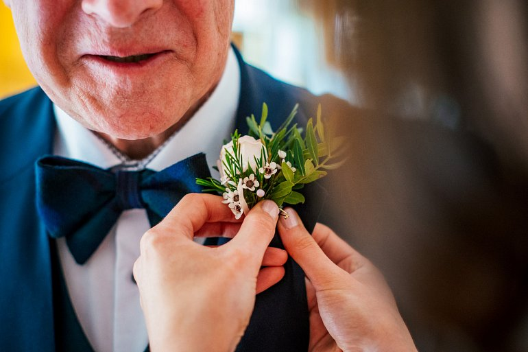 Cotswold wedding boutonniere w770